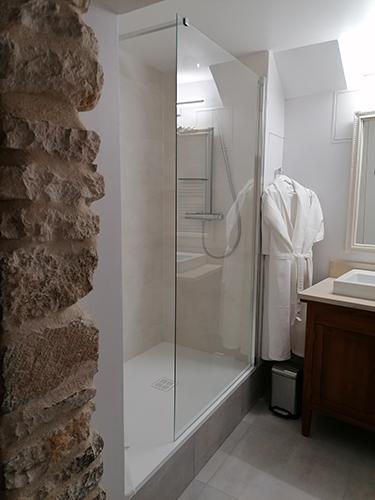 Salle de bains | L'Antre Ami, chambre d'hôtes à Savigny-lès-Beaune